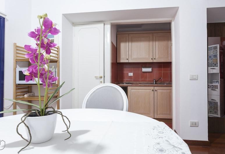 Rentopolis Lamarmora  - Porta Romana, Milano, Appartamento Classic, 1 camera da letto, Area soggiorno
