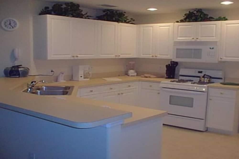 Family Villa, Private Pool, Garden Area - Shared kitchen