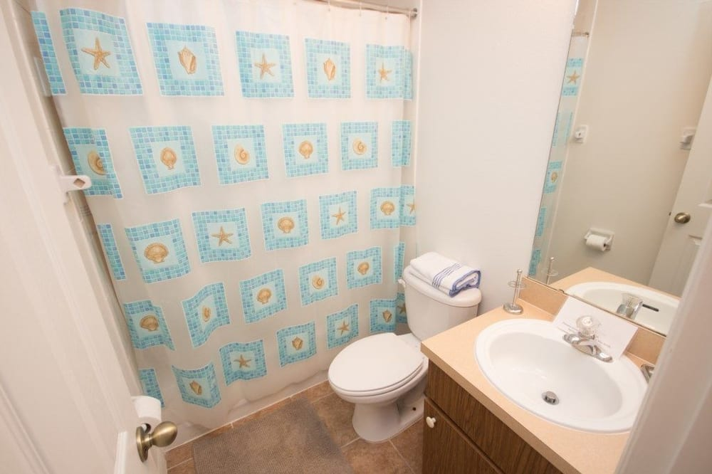 Family Townhome, Balcony, Garden Area - Bathroom