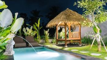 תמונה של Three Gold Luxury Private Villa בTegallalang