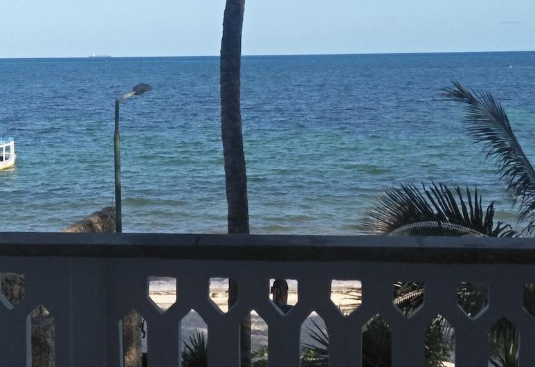 Travellers Beach Hotel & Club, Mombasa, Habitación superior (Sea Front), Vista a la playa o el mar