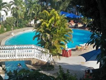 Mombasa bölgesindeki Travellers Beach Hotel & Club resmi