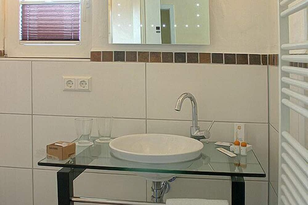 經典三人房 - 浴室洗手台