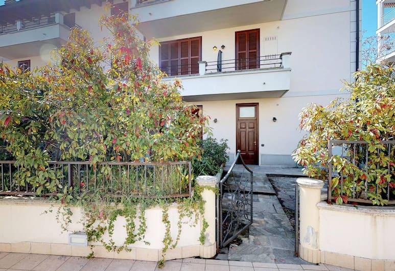 Apartment with garden near San Siro, Milano, Esterni