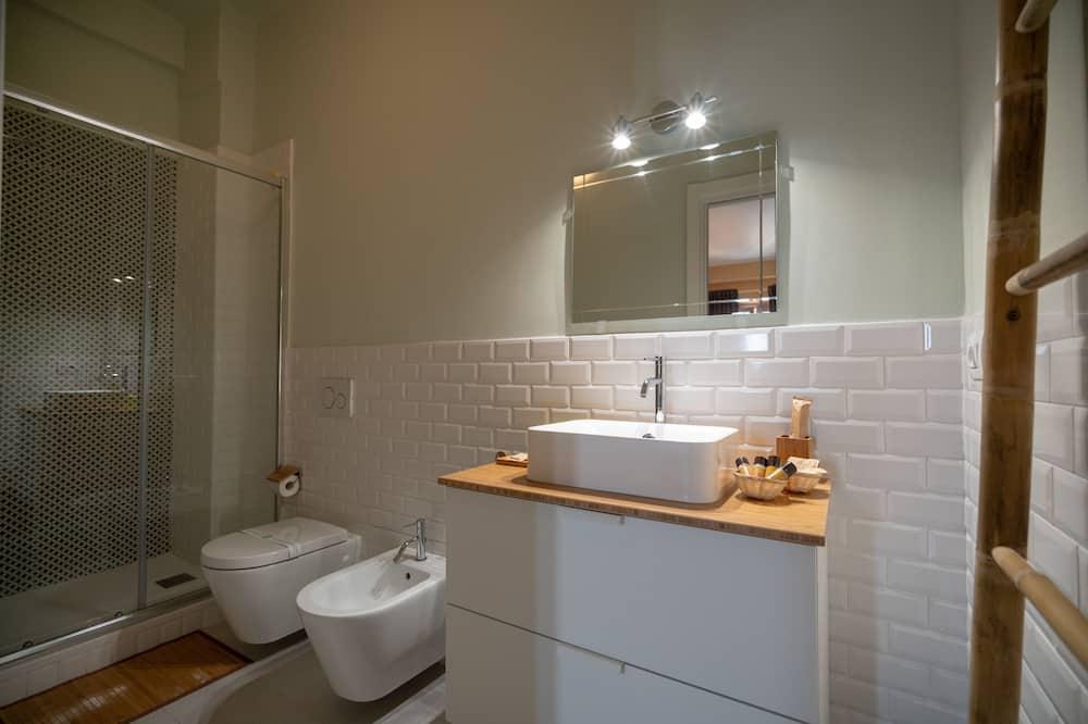 Standard Τετράκλινο Δωμάτιο (Kalahari) - Μπάνιο
