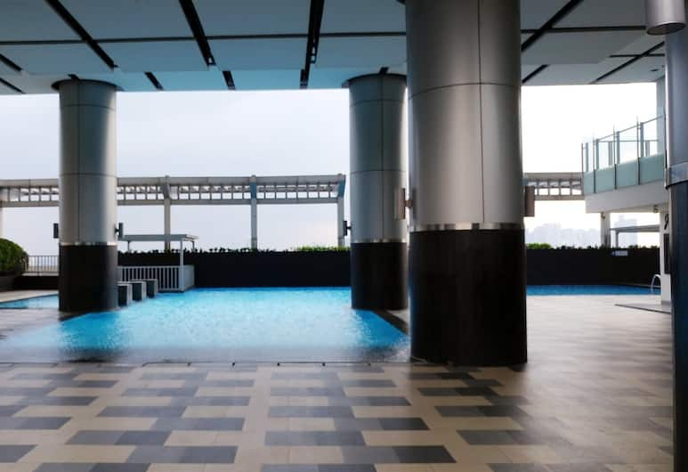 Pool View Cosmo Terrace Apartment at Thamrin City, Jakarta, Outdoor Pool