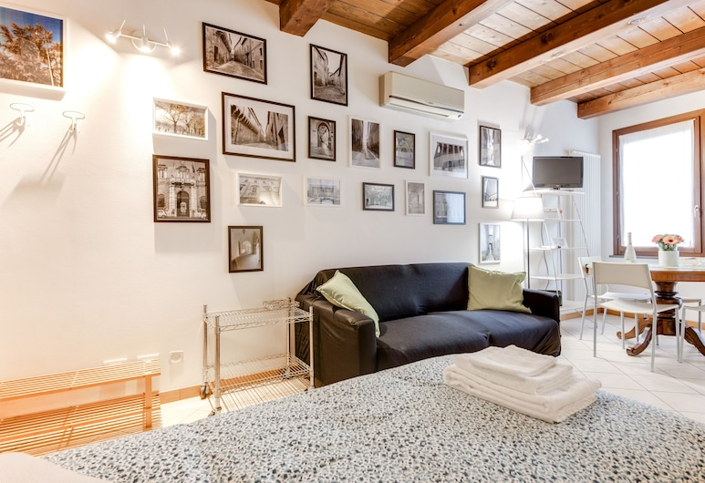 RomagnaBNB Mazzini Studio, Forlì, Estudio, 2 camas individuales, balcón, Habitación