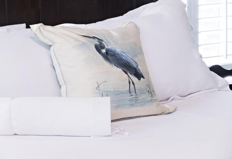 Beachview Bed & Breakfast, Tybee Island, Ophelia's Suite, Guest Room