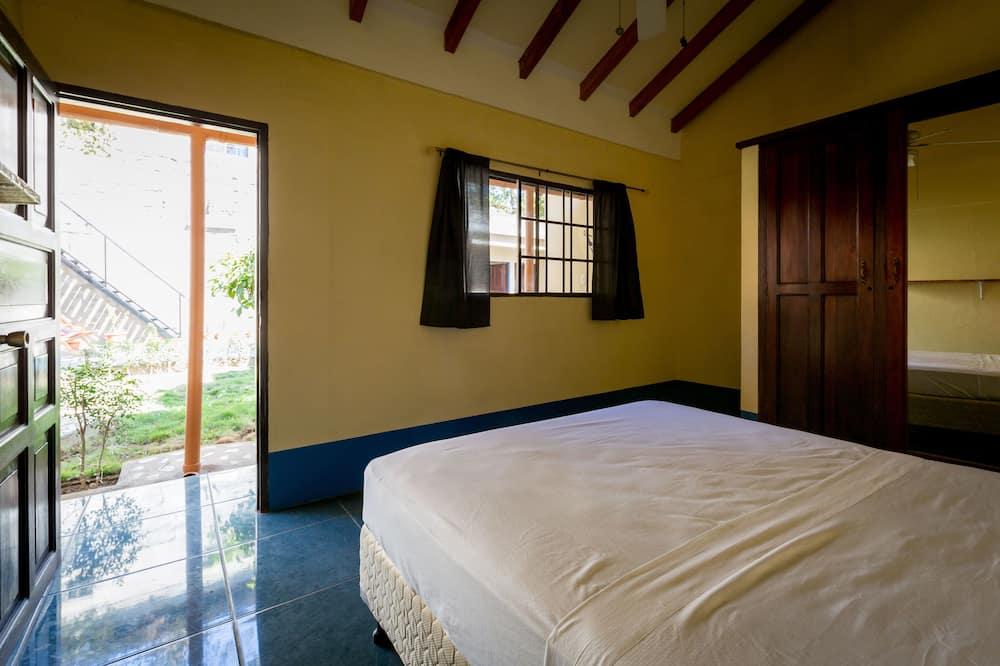 Deluxe Double Room, 1 Queen Bed, Non Smoking, Garden View - Guest Room