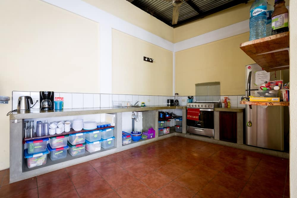 Deluxe Quadruple Room, Multiple Beds, Non Smoking - Shared kitchen