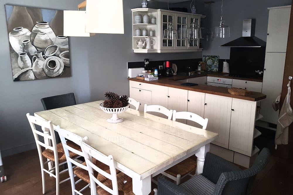 Comfort-pientalo - Ruokailu omassa huoneessa