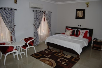 ภาพ NUE-CREST HOTELS AND SUITES ใน Enugu