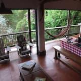 Exclusive Cabin, 1 Queen Bed, Non Smoking - Living Area