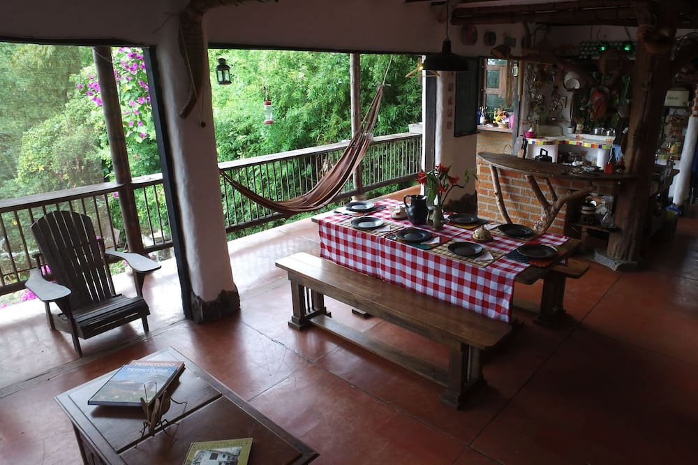 Exclusive Cabin, 1 Queen Bed, Non Smoking - In-Room Dining