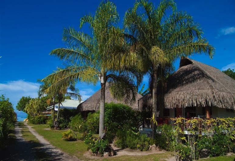 Fare Edith - Near Painapo Beach, Moorea-Maiao