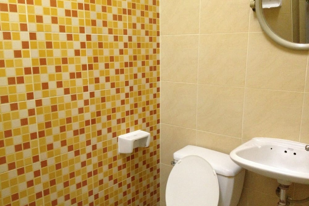 Standard Double Room with Air-Con - Vannituba