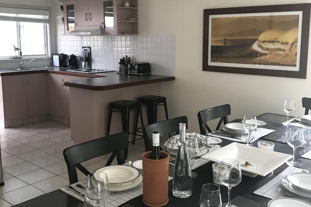 Kambarys - Vakarienės kambaryje