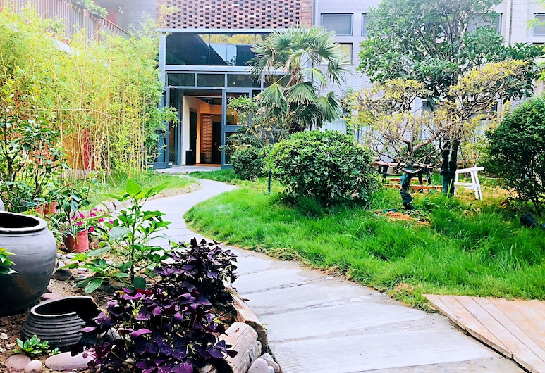 Once Artistic Inn, Luoyang