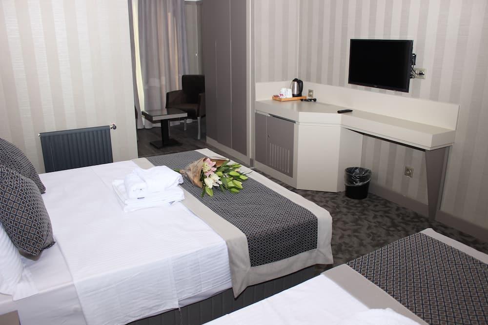 Design Triple Room, Non Smoking - Guest Room