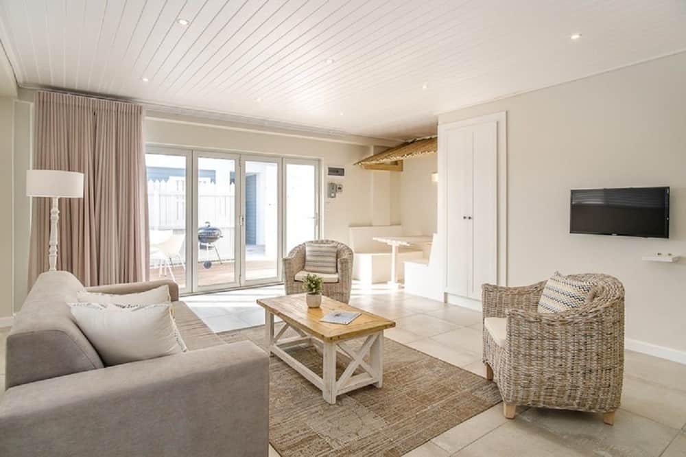 Apartment, Multiple Beds, Non Smoking - Living Room