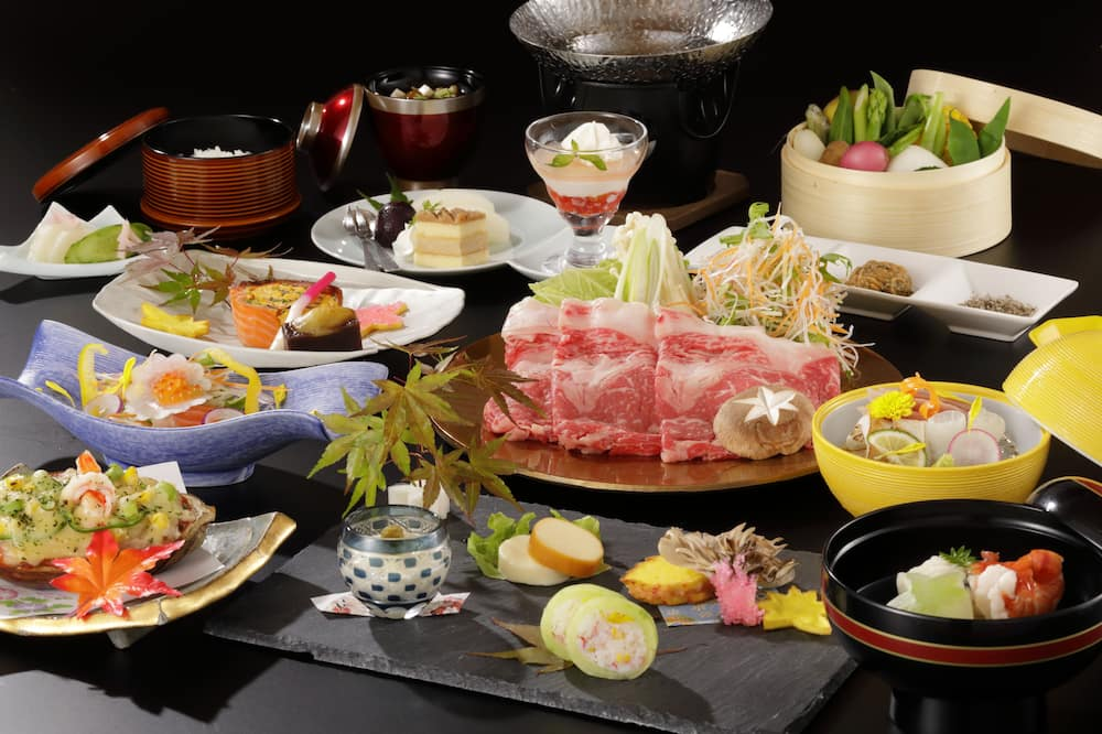 Ēdināšana japāņu viesmītnē