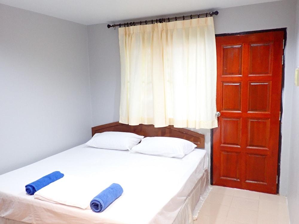 Baan Kasirin Resort