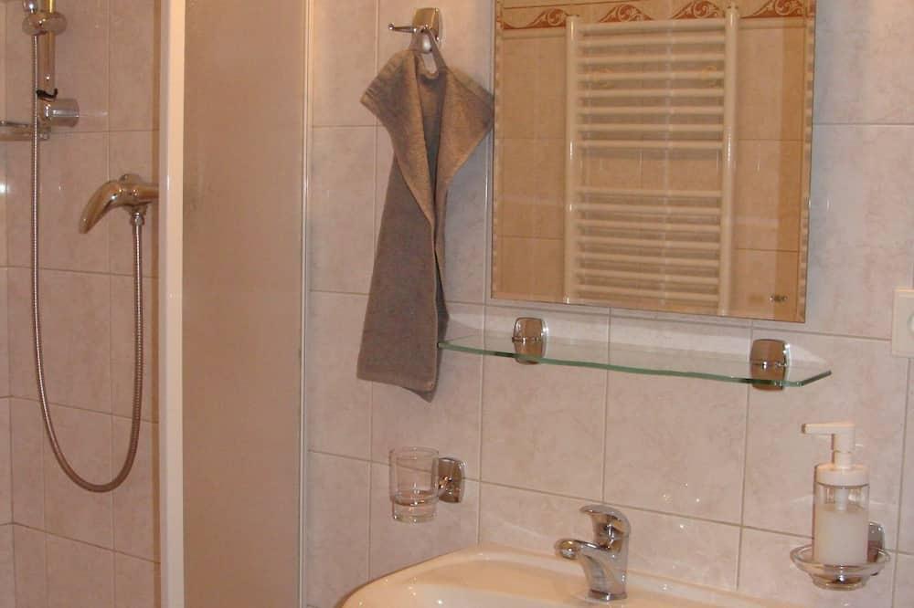Deluxe Double Room - Bathroom Amenities