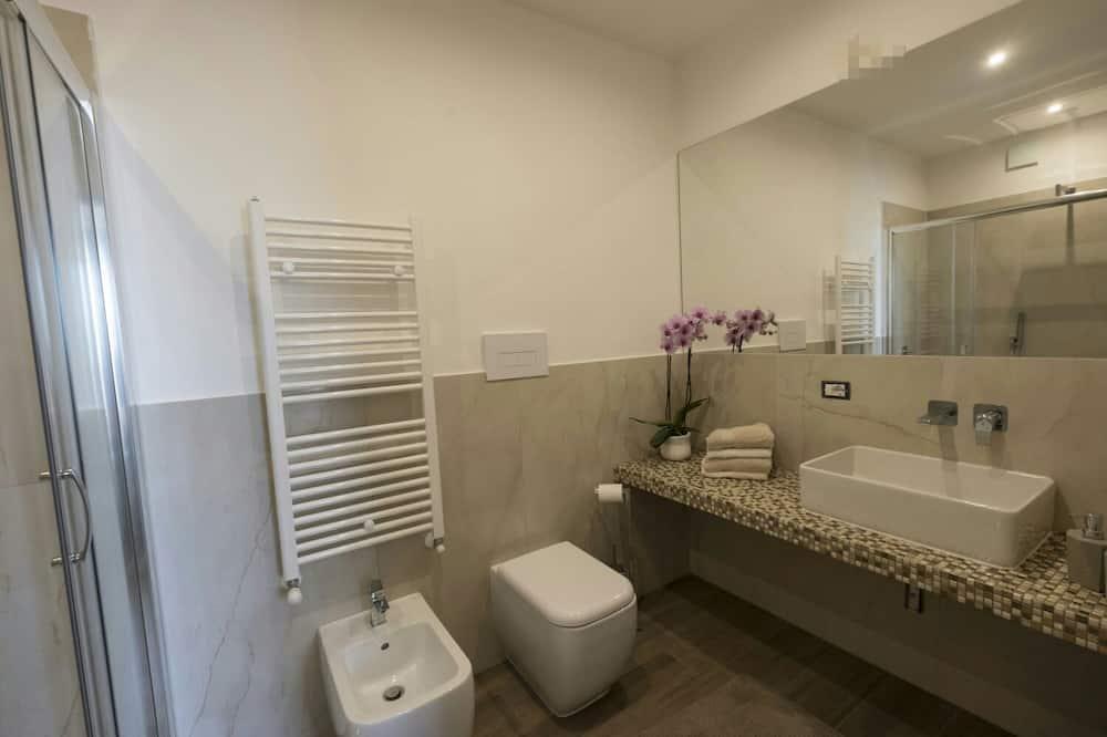 Dvojlôžková izba typu Superior, nefajčiarska izba, výhľad na more - Kúpeľňa