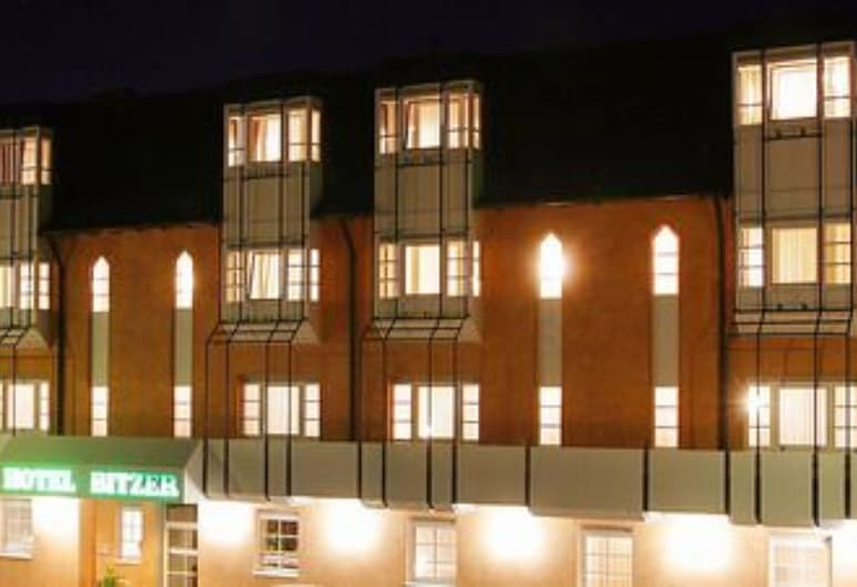 Hotel Bitzer, Backnang, Hotel Front – Evening/Night