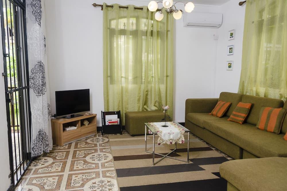 شقة حصرية - غرفتا نوم - منظر للحديقة - منطقة المعيشة