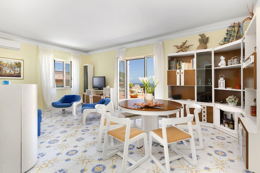 Lägenhet - 3 sovrum - Vardagsrum