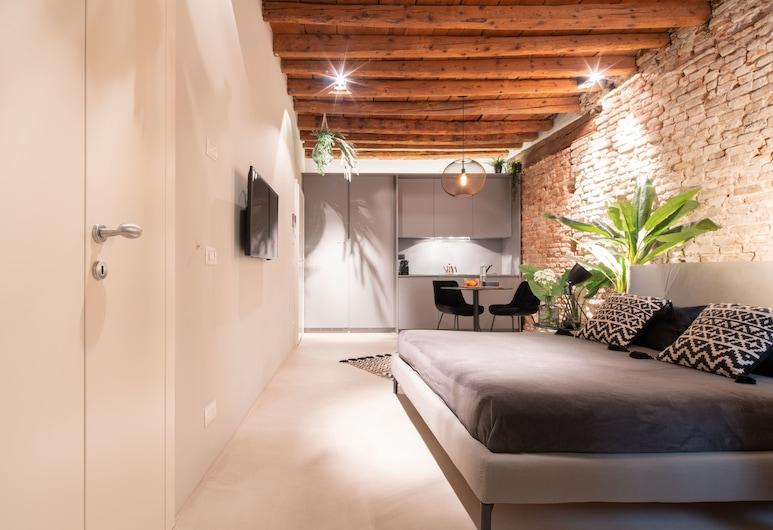 Officine Cavour Apartments , Padova, Exclusive Studio, In-Room Dining