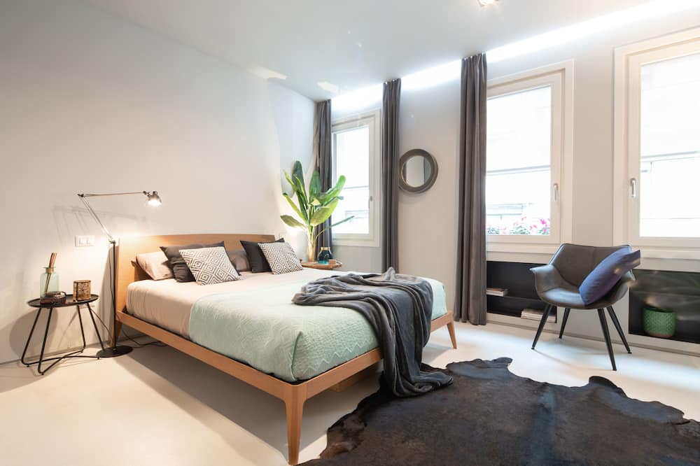Luxury - kahden hengen huone, 1 keskisuuri parisänky ja vuodesohva - Ruokailu omassa huoneessa