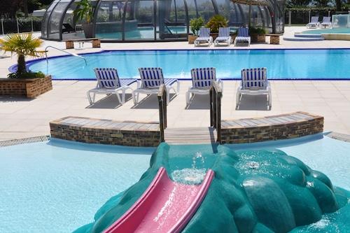 拉古恩尼斯海灘露營酒店/