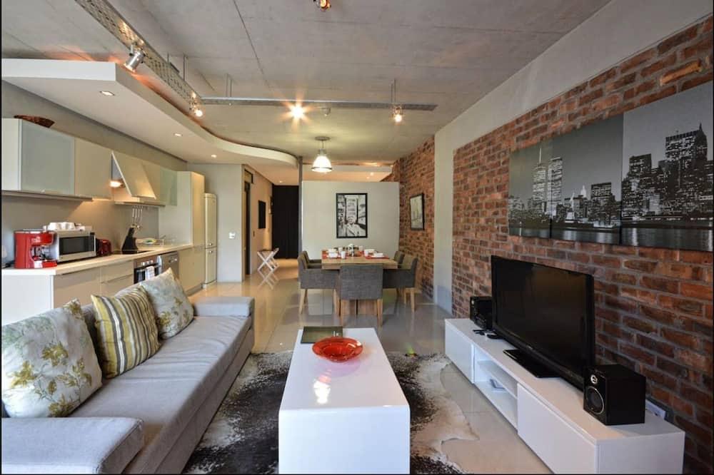 Studio, 1 Bedroom - Living Room
