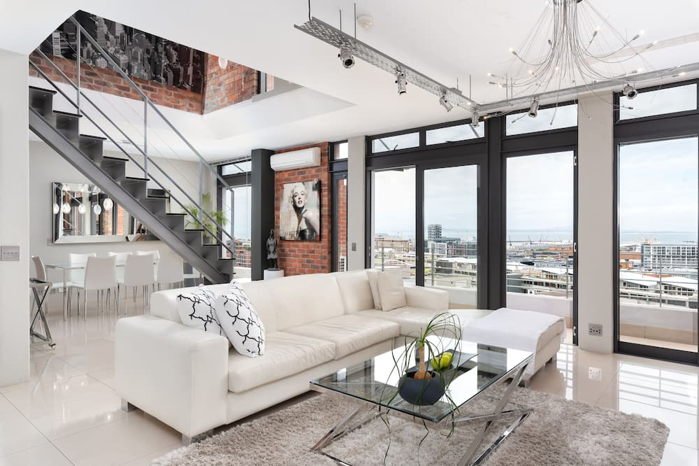 Penthouse, 3 Bedrooms - Living Area