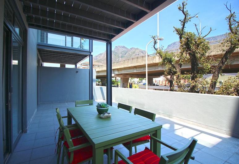 Sloane Square 7, Cape Town, Comfort Apartment, Balcony