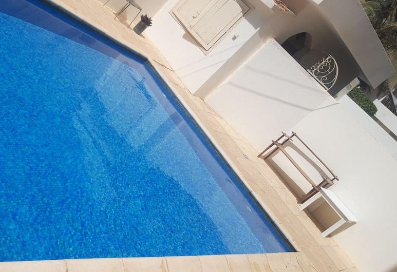 阿爾瑪迪耶斯爾湖岸酒店, 達卡, 室外泳池