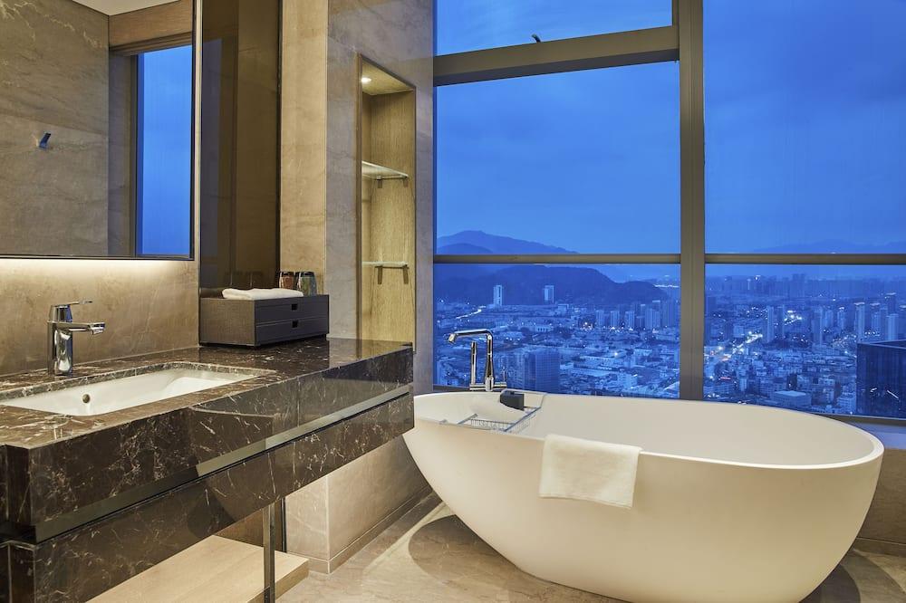 Номер, 1 двуспальная кровать «Кинг-сайз» (Renewal) - Ванная комната