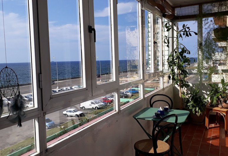 Sideral Malecón, Havanna, City-Apartment, 2Schlafzimmer, barrierefrei, Meerblick, Terrasse/Patio