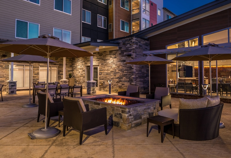 Residence Inn by Marriott Charlotte Steele Creek, Charlotte, Taras/patio