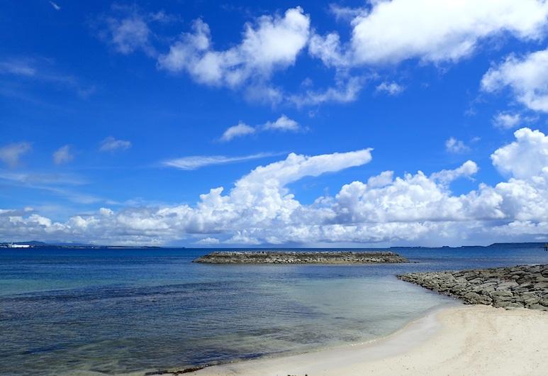 Smilax Kurichi, Uruma, Pláž