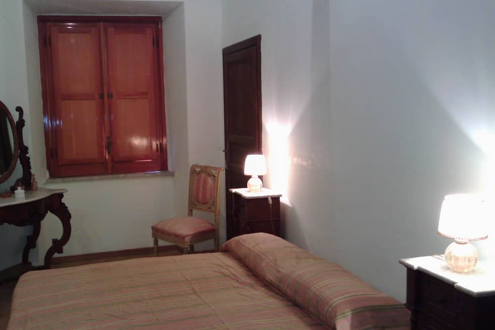 Room, Shared Bathroom - Bilik Tamu