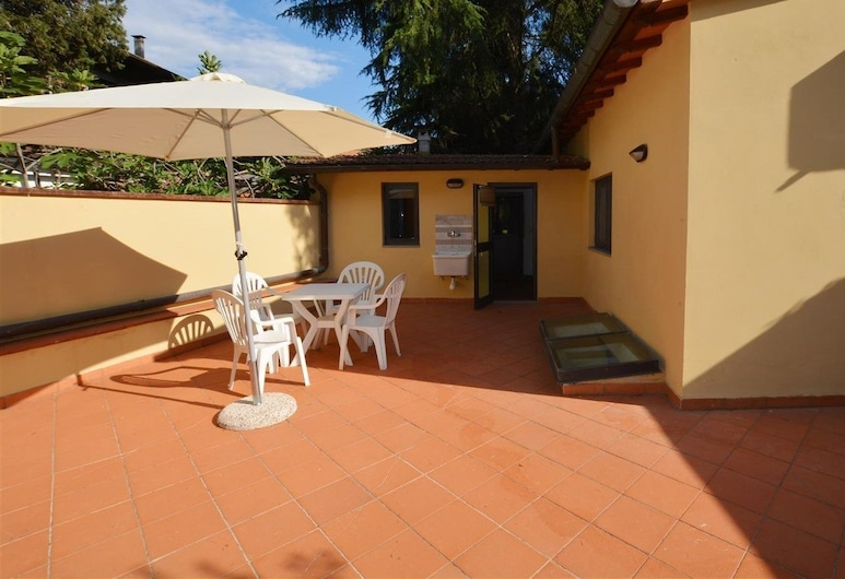 Park apartment with Patio, Florence