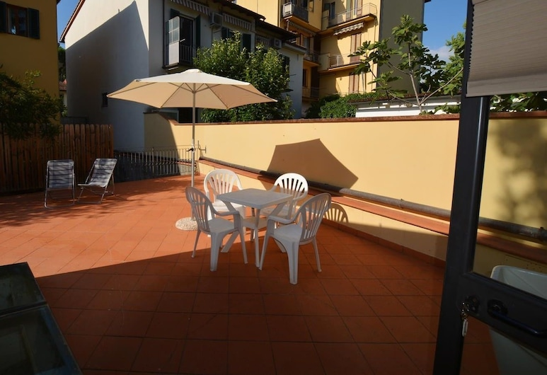 Park apartment with Patio, Florence, Apartment, 1 Queen Bed with Sofa bed, Non Smoking, Terrace/Patio