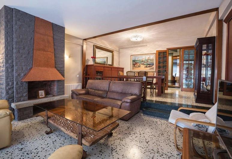 Apto Montserrat,11 2º, Calafell, Apartemen, 2 Kamar Tidur, Area Keluarga