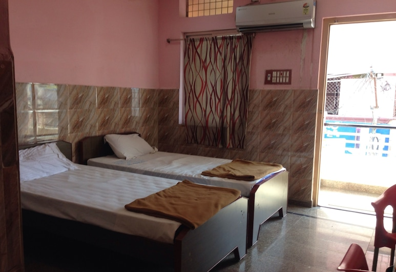 Ajenta residency, Kurnool, Quadruple Room, Guest Room