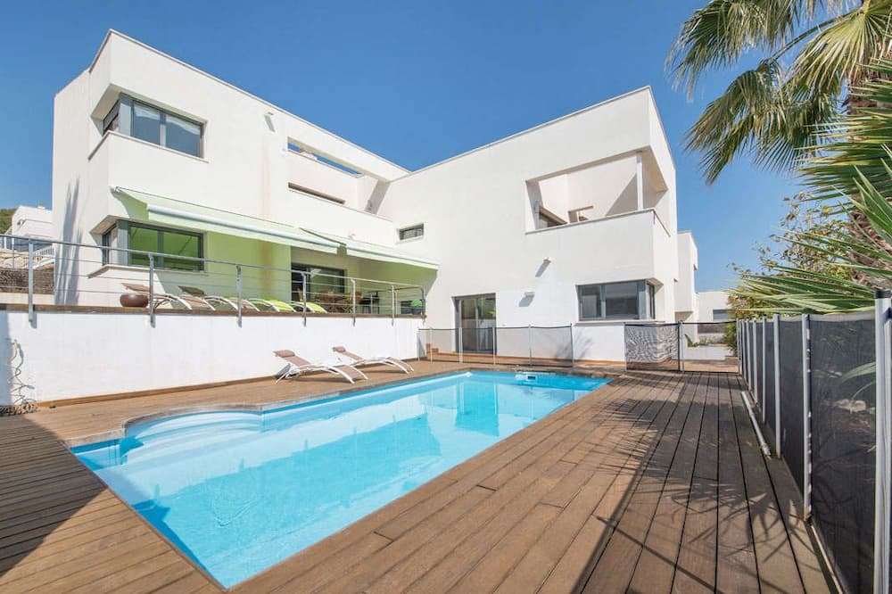 Design Chalet, 4 Bedrooms - Private pool