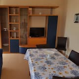 Family Apartment, 2 Bedrooms, Balcony (Preziosa 2) - Living Room