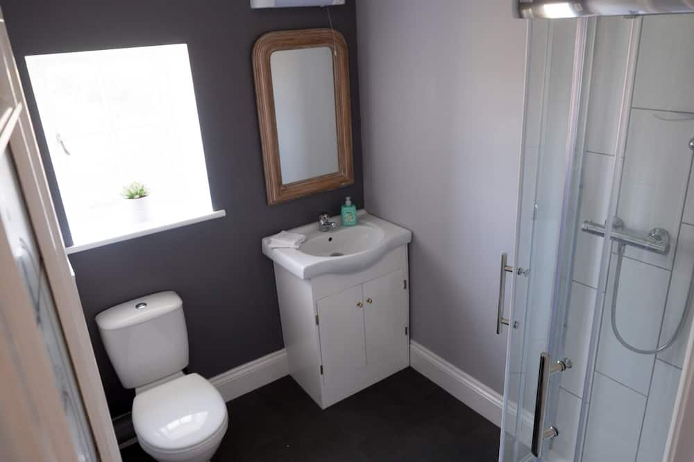 Luxusný apartmán, vlastná kúpeľňa, výhľad na záhradu - Kúpeľňa